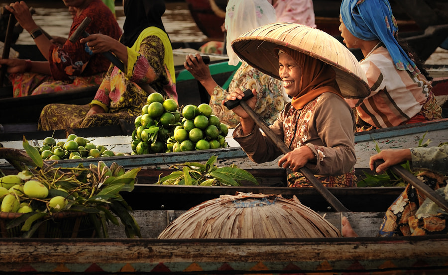 Photograph Smile and Fresh Fruits by Gregorius Suhartoyo on 500px