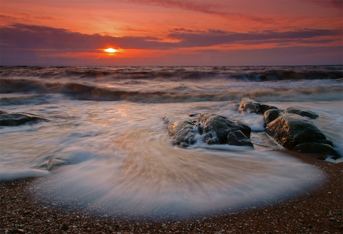 Photograph The wave by petersamuelsson.se  on 500px