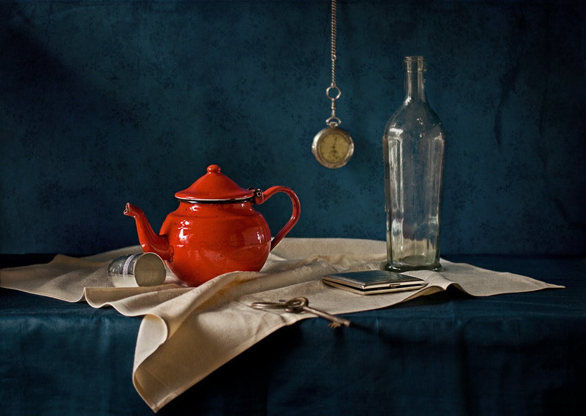Photograph red on blue by Yulia Pletinka on 500px