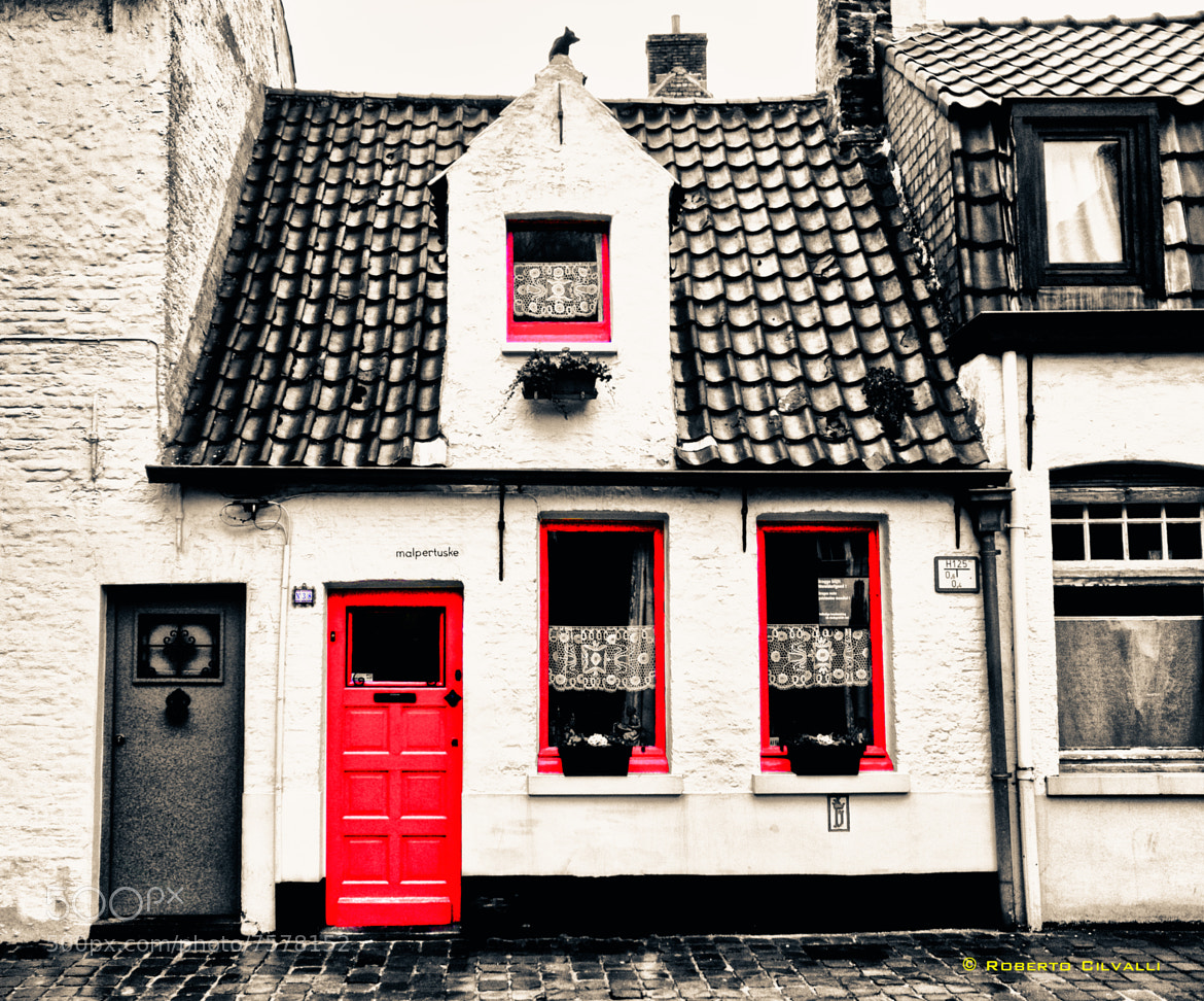 Photograph Red windows! by Roberto Cilvalli on 500px