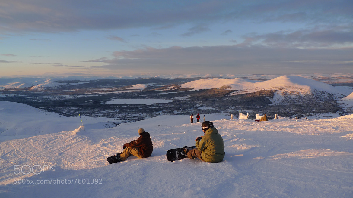 Photograph Snowboarding at Cairngorm Mountain by Gary Kane on 500px