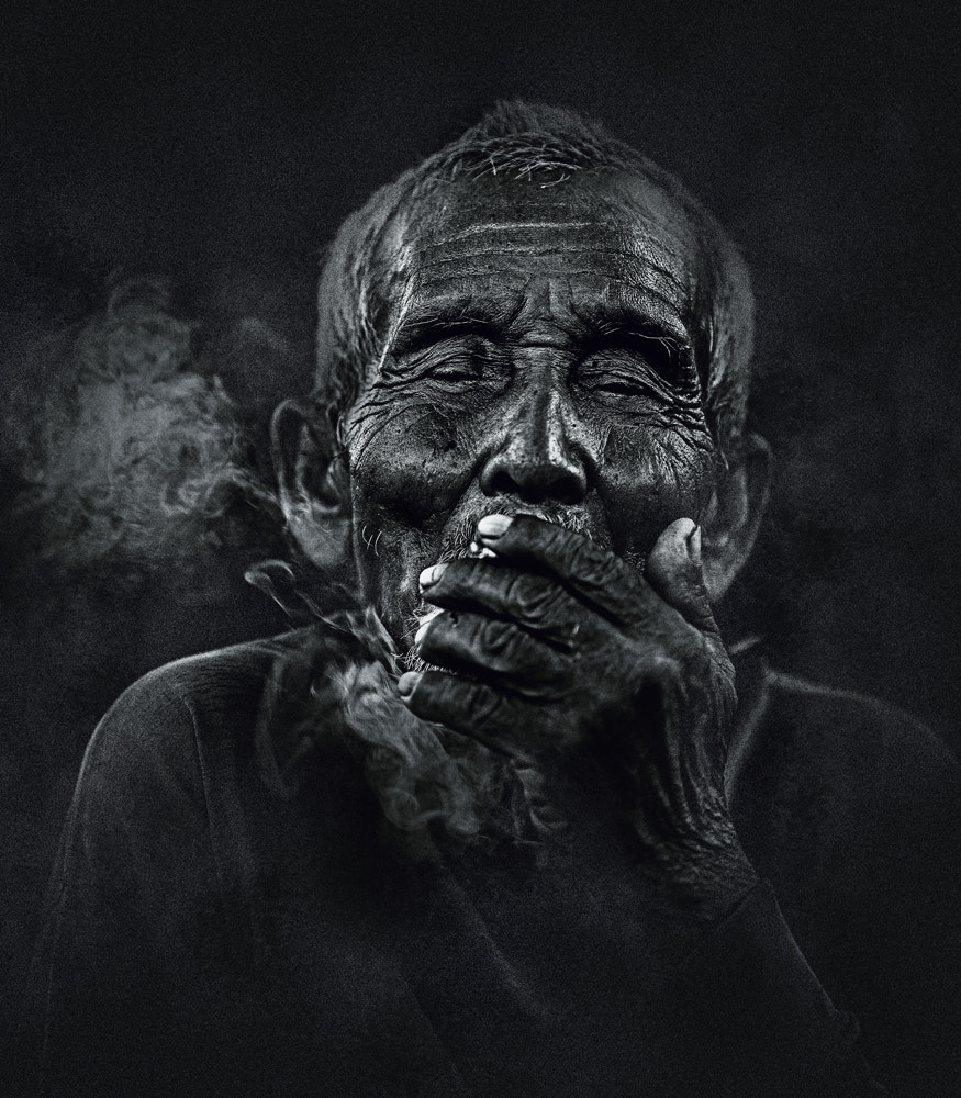 Photograph BLIND SMOKER by abe less on 500px