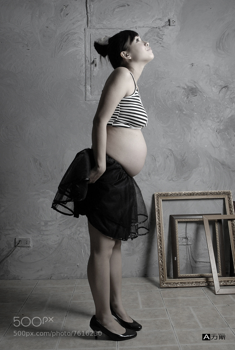 Photograph Pregnant woman by A 力斯 on 500px