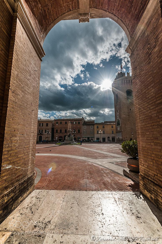 Photograph Recanati, Piazza Leopardi by Roberto Flamini on 500px