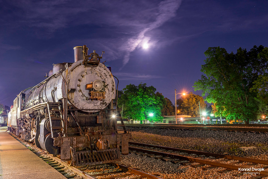 An old locomotive at night at Collierville Historic Train Depot (Collierville Historic Town Square) by Konrad Dwojak on 500px.com