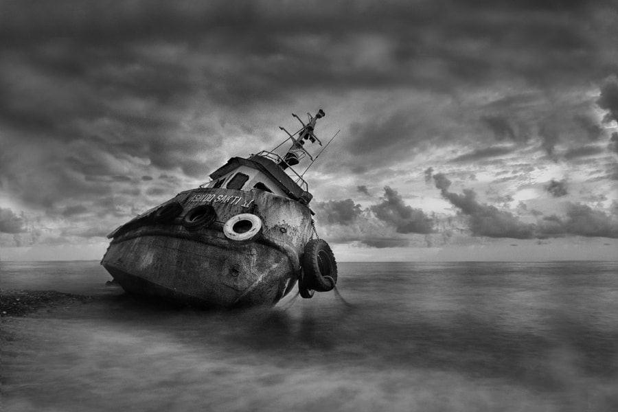 Photograph Stranded by raja sulbar on 500px