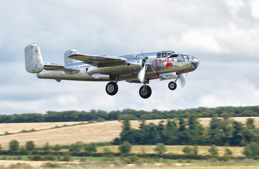 B-25 Mitchell Takeoff @ Duxford