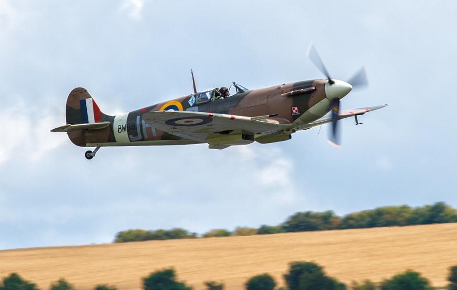 Spitfire takeoff @ Duxford