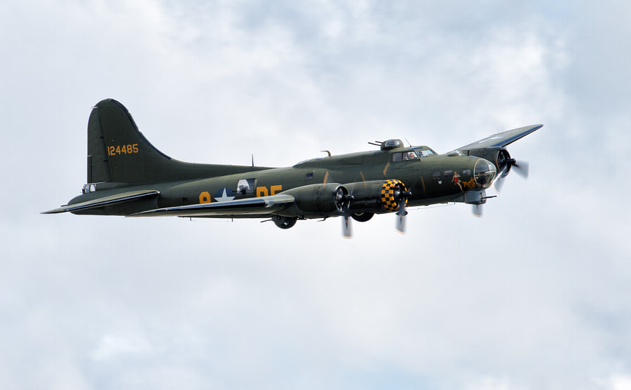 B-17 Flying Fortress 'Sally B'