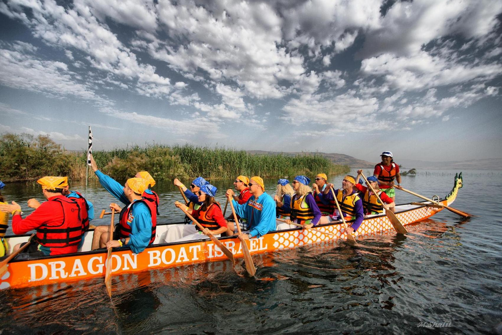 Photograph dragon boat by Moshe Shalit on 500px