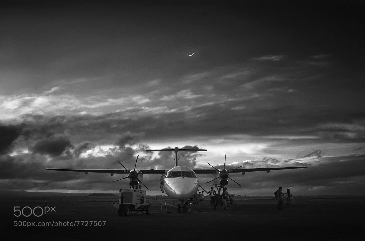 Photograph Day meets night in black and white by Vey Telmo on 500px