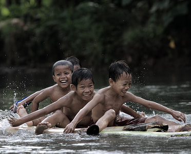 River Kids..... by dewan irawan