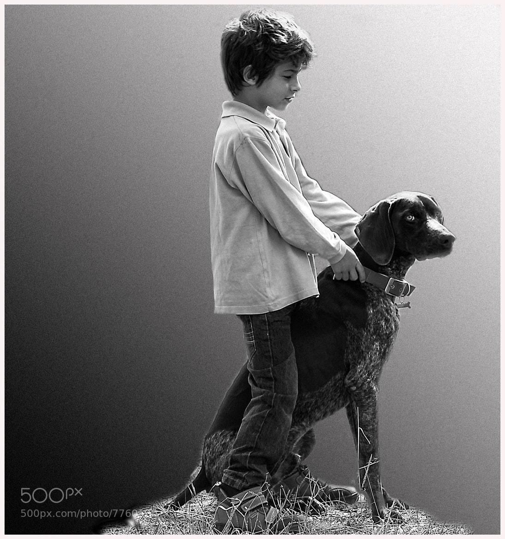 Photograph Niño con perro by Lola Camacho on 500px