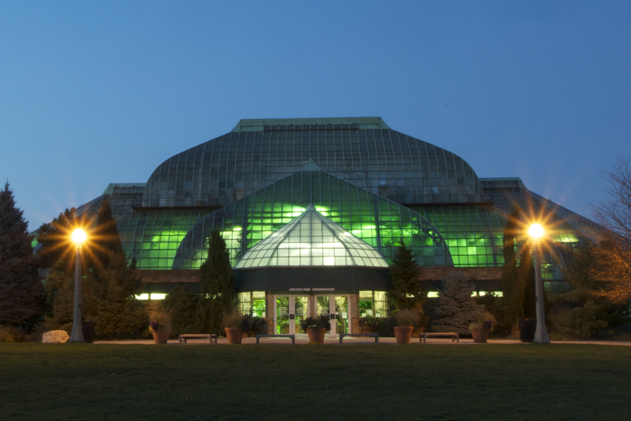 Photograph Lincoln Park Conservatory- Chicago by Sheryl Thomas on 500px