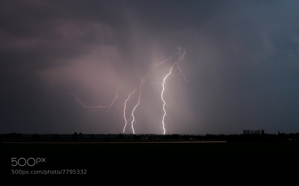 Photograph Ein Blitz by Daniel Müller on 500px