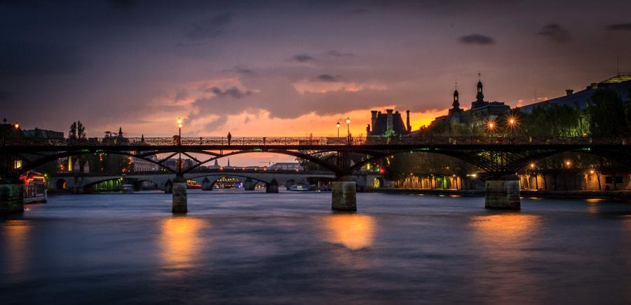 Pont des arts regular shot with city lights version 3/3