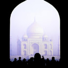 Постер, плакат: Laying eyes on the Taj