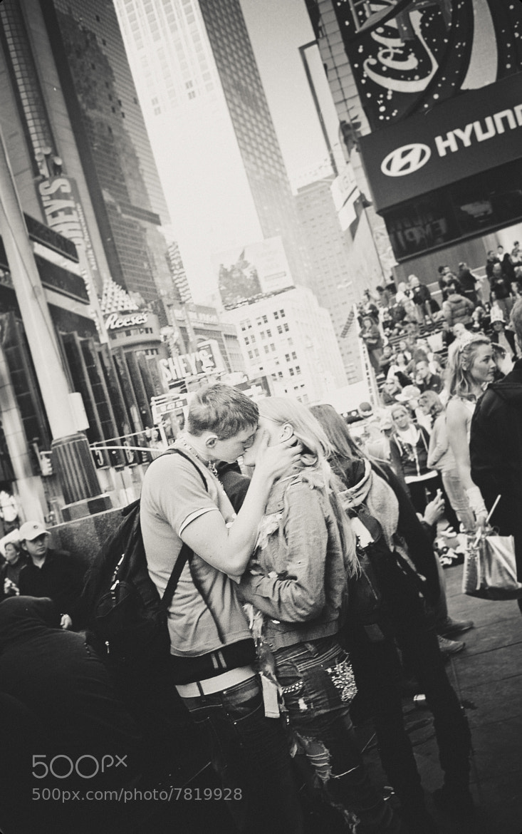 Photograph Fall'in love in Times Square by Star Emily on 500px