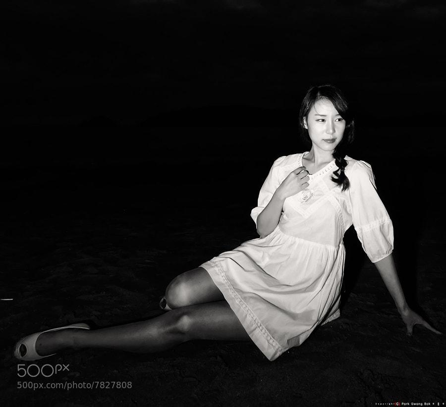 Photograph L O O K by gwang_Bok Bak on 500px