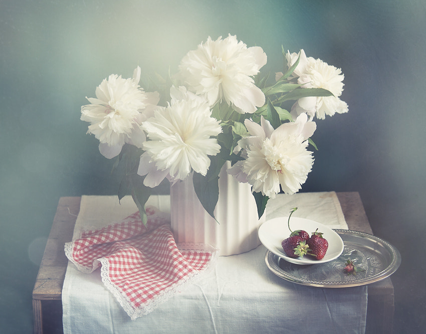 Photograph strawberries with cream :) by Yulia Pletinka on 500px