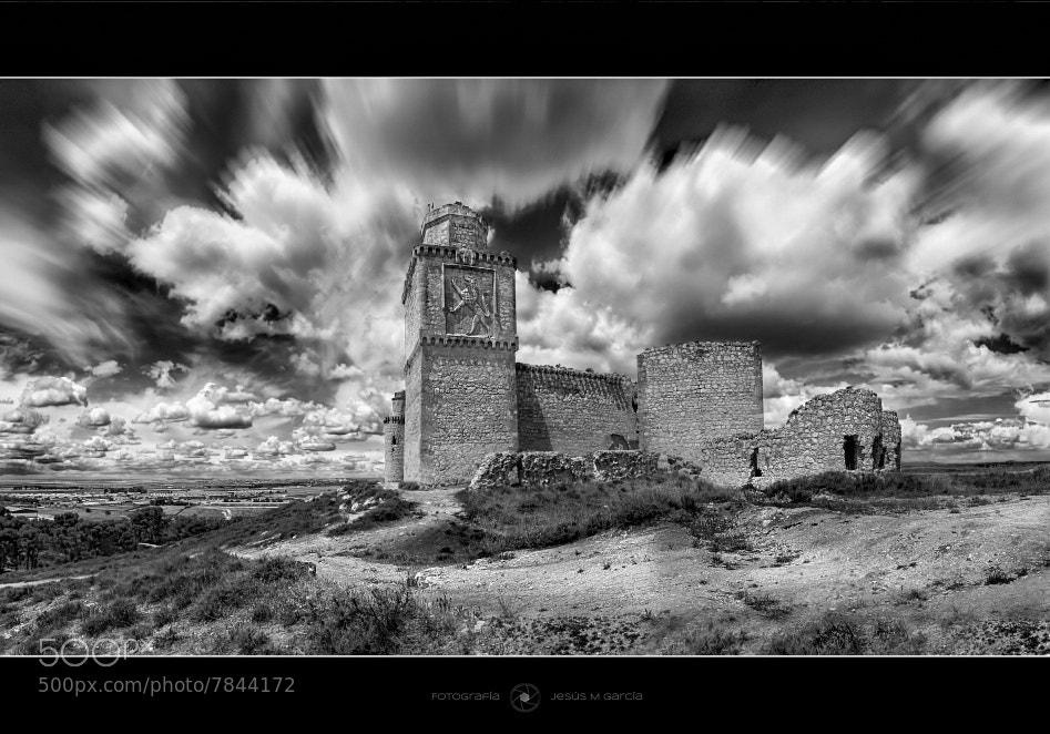 Photograph Castillo de Barcience by Jesús M. García © on 500px