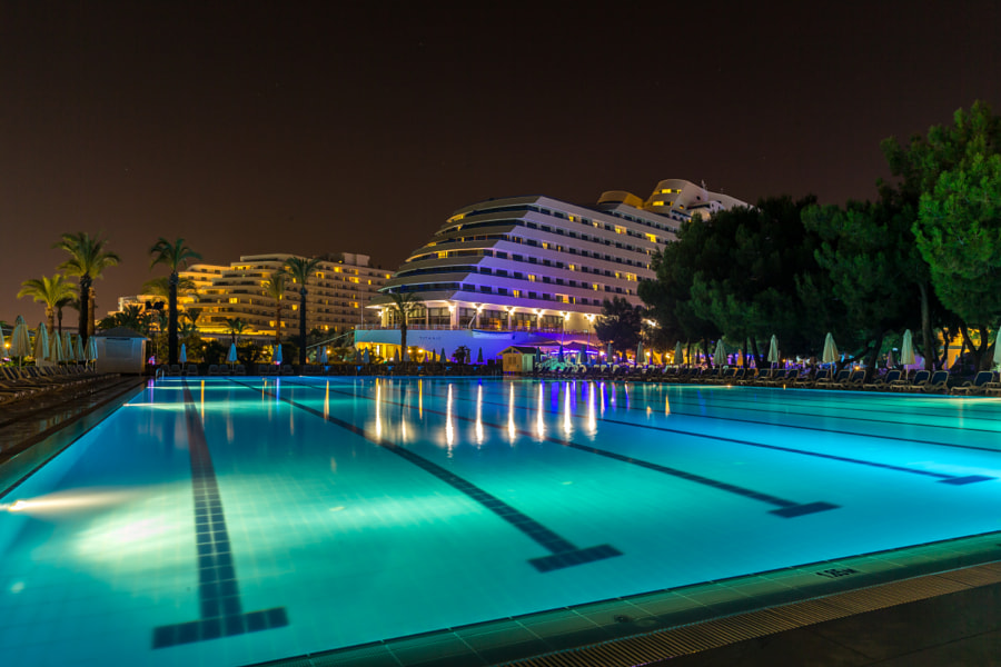 Titanic pool by elad grubner on 500px.com