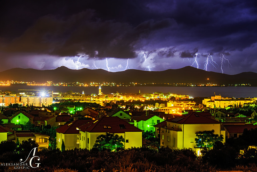 Under the cover of night Zadar is attacked as storm crawls from the sea, hidden by the Ugljan island till the last moments