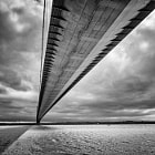 Постер, плакат: Under The Humber  Bridge