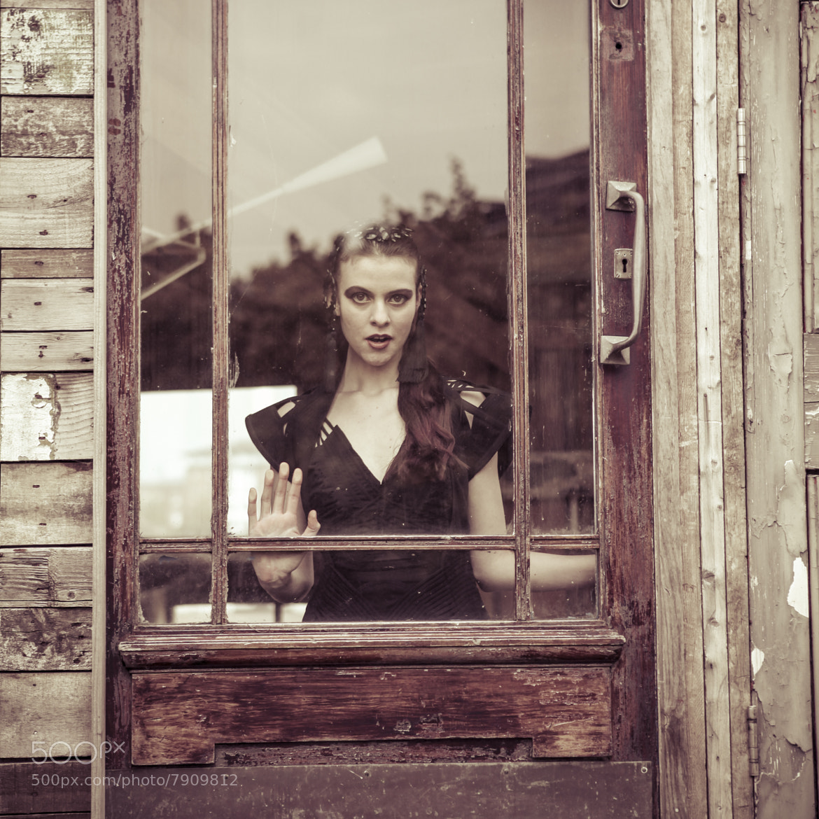 Photograph behind glass by Photocillin Photography on 500px