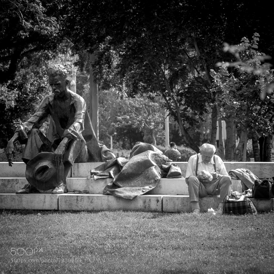 lunch break in Budapest, H