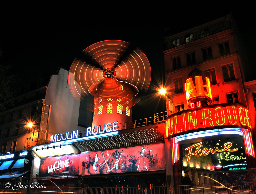 Photograph Moulin rouge by J. Ruiz  on 500px