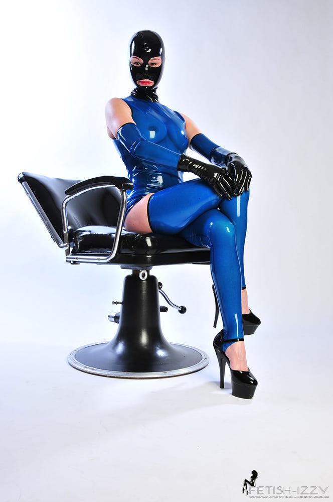 Misstress By Izzy Mendosa / 500px