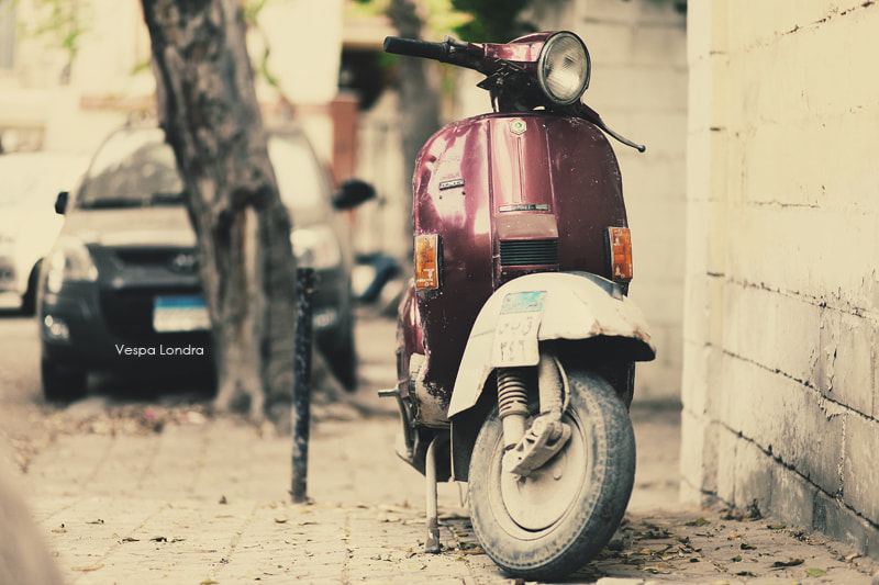 Photograph Vespa Londra by Nour Ammar on 500px