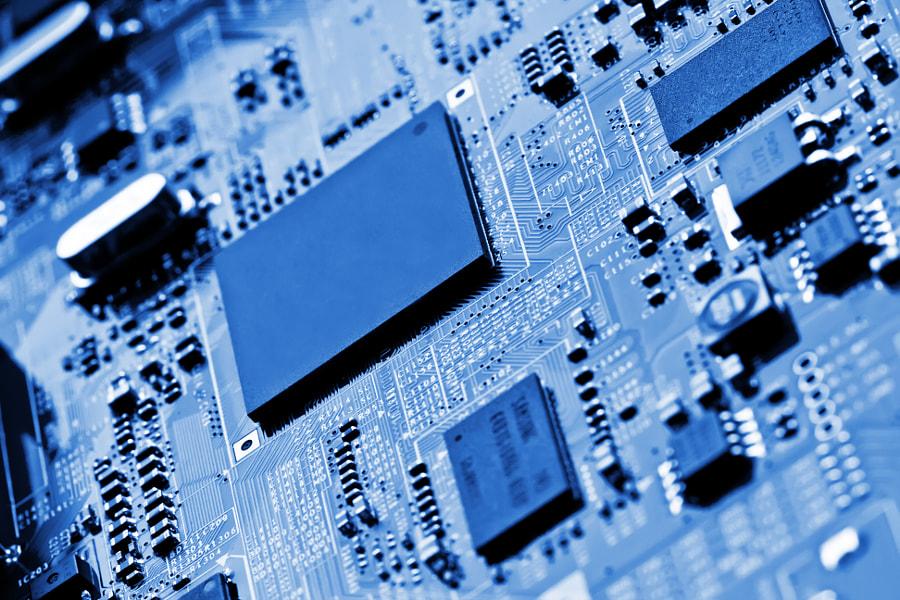 Electronic circuit board close up. by Raimundas Gvildys on 500px.com