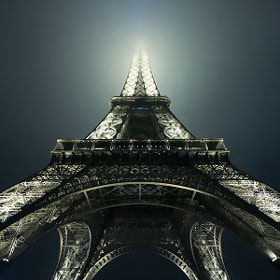 foggy Eiffel by Adam Dobrovits (Adam_Dobrovits)) on 500px.com