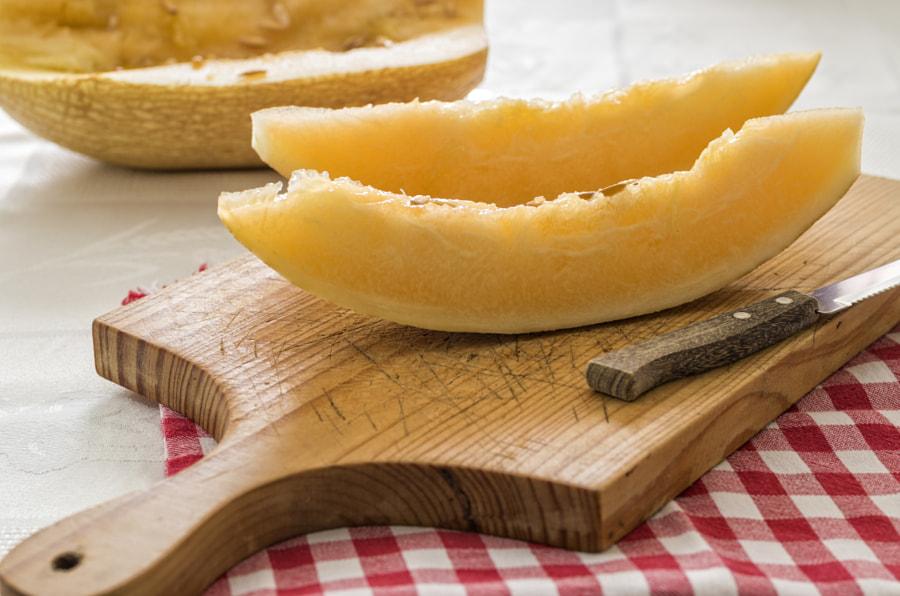 Melon slices by Paulo Gonçalves on 500px.com