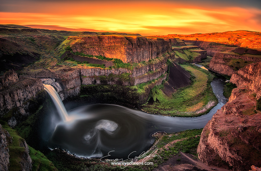 Photograph Palouse Sun Rise by Eamon Gallagher on 500px
