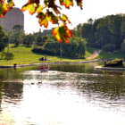 Постер, плакат: Sunny August evening in one of Moscow parks
