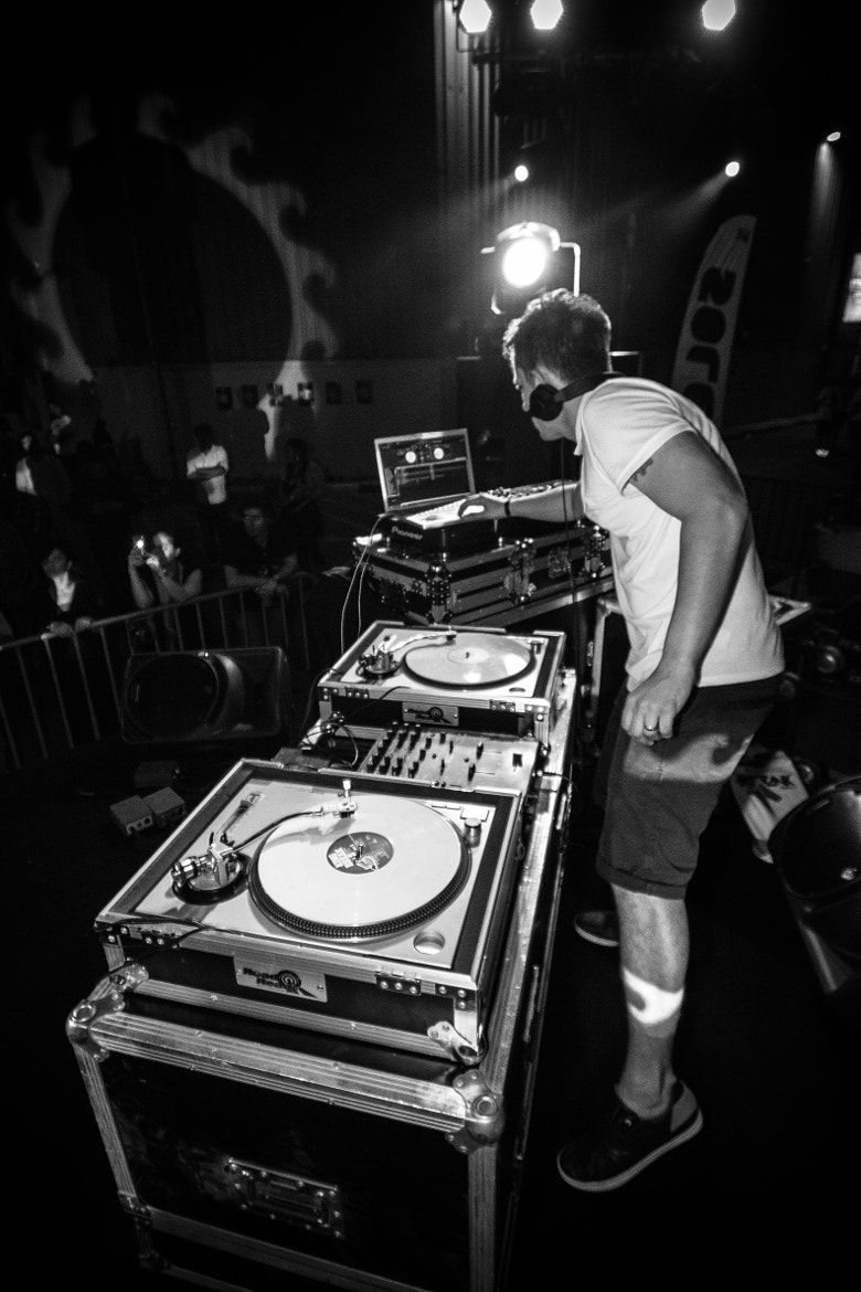Photograph DJ Solo On The Decks @ SOLEDXB by Yohaan Kerawalla on 500px