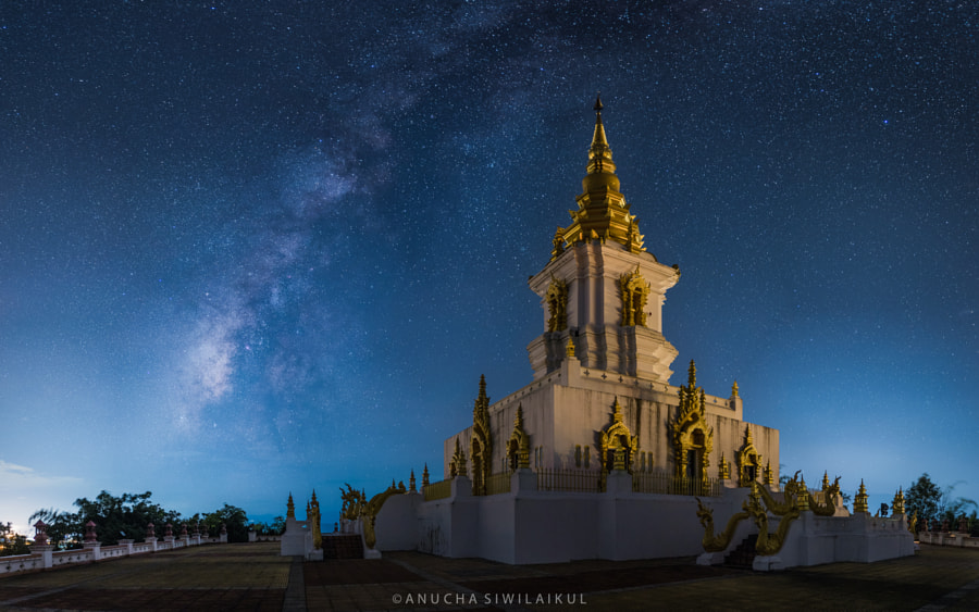 Milky Way at Pagoda by Anucha Siwilaikul on 500px.com