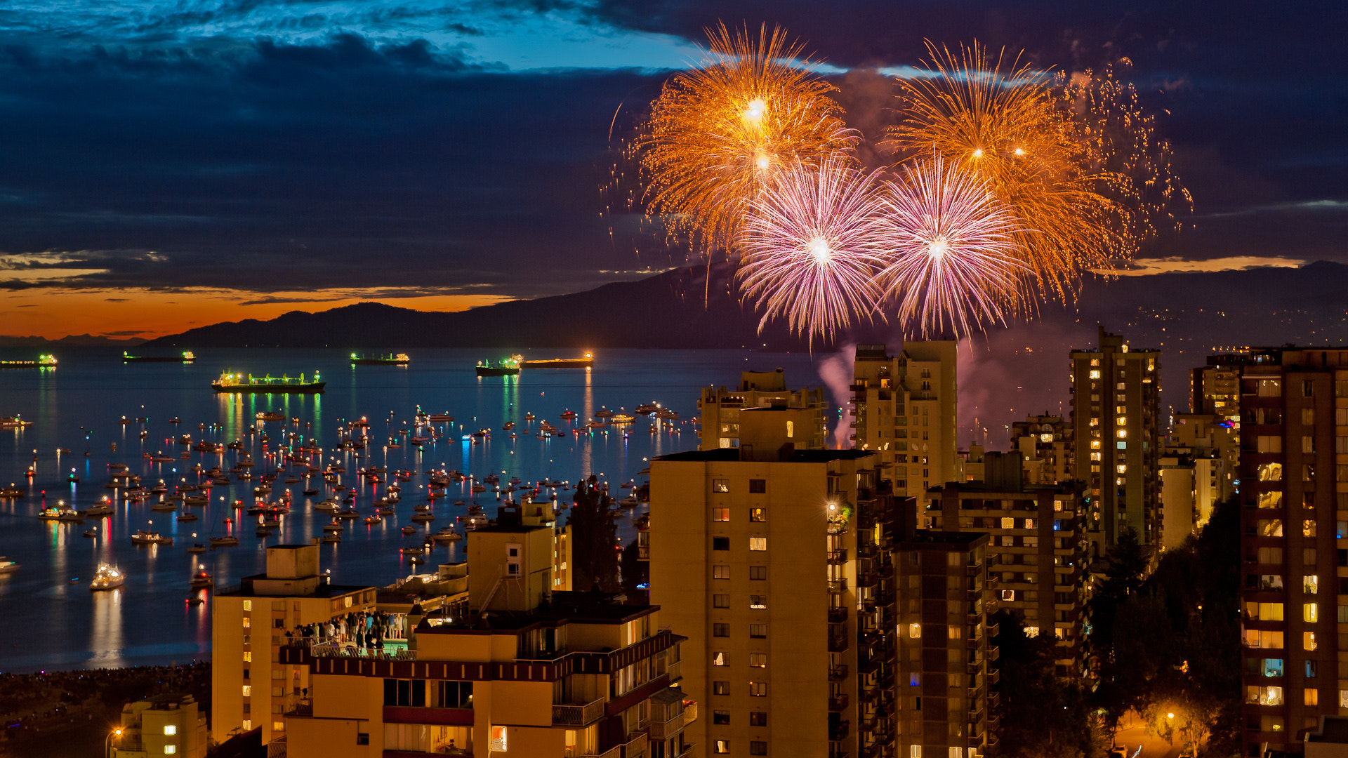 Photograph Westend Fireworks by Spencer Robertson on 500px