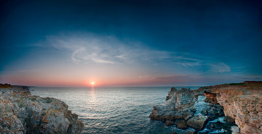 Sunrise at Tyulenovo arch by Dimitar Aleksov on 500px.com