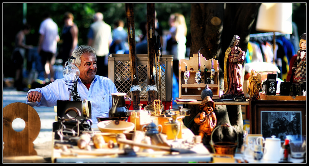 Photograph Mercatino dell'usato by Andrea Paolicelli on 500px