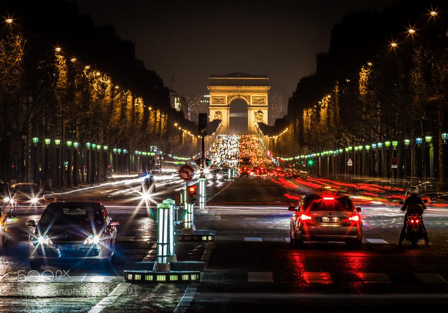 Photograph Champs Élysées - Nuit by Pat Kofahl on 500px