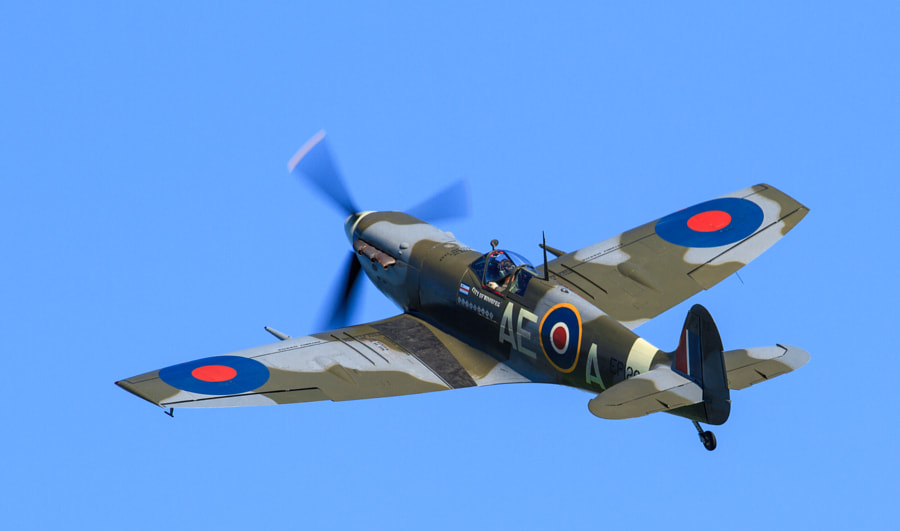 Clip-Wing Spitfire at Duxford