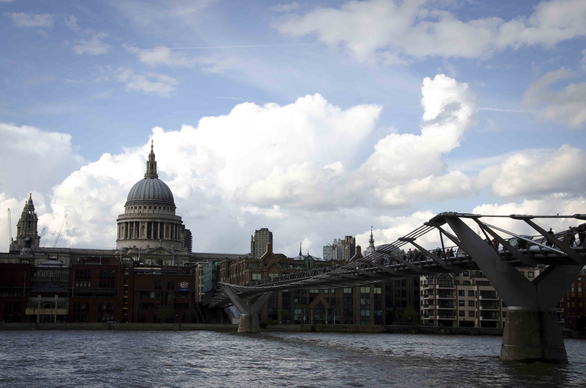 Photograph Saint Paul´s and Millenium bridge by Miguel Bustos on 500px
