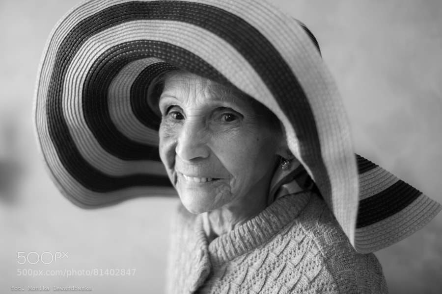 """""""Été Indien"""" (Indian summer)  Atelier Photo Project in the Retirement Homes in France."""