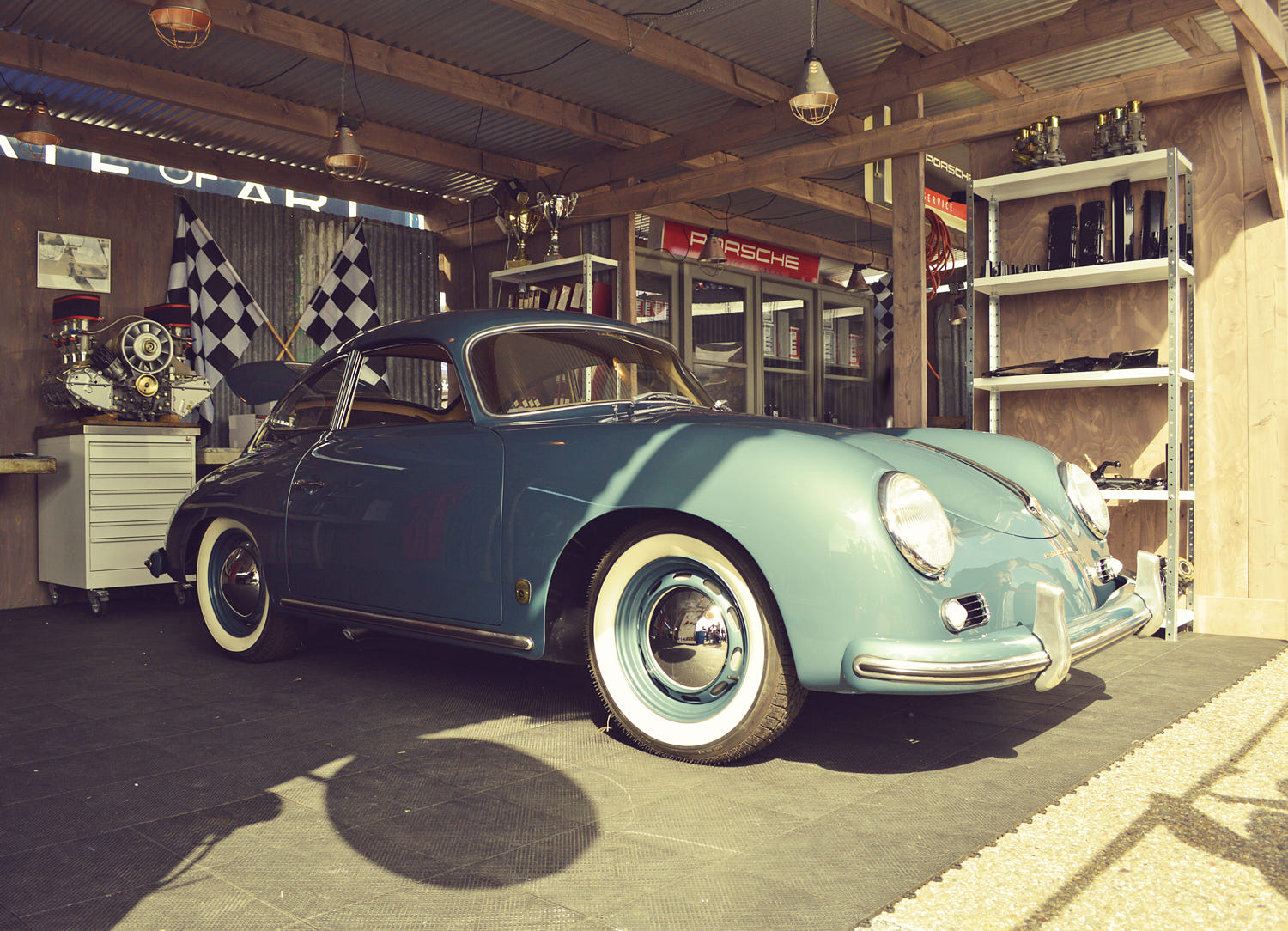 Porsche 356 vintage garage by bas bleijenberg photo for Garage porsche montelimar