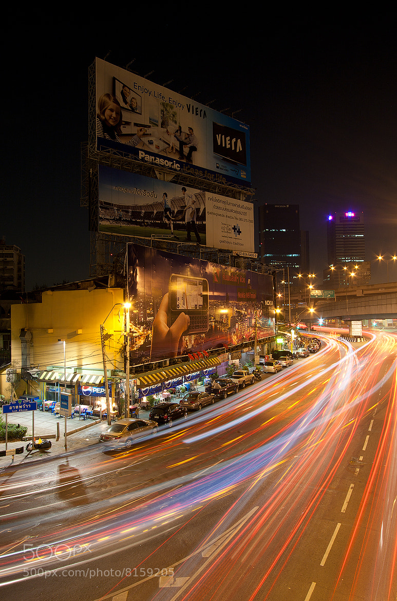 Photograph Bangkok traffic lights by Levin Dieterle on 500px