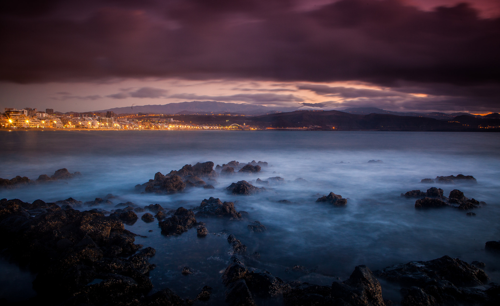 Photograph The city and the sea by Ramon Grosso  on 500px